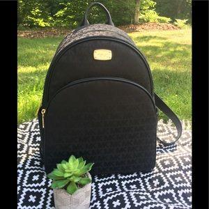 NWT Michael Kors Abbey LG Backpack, Black
